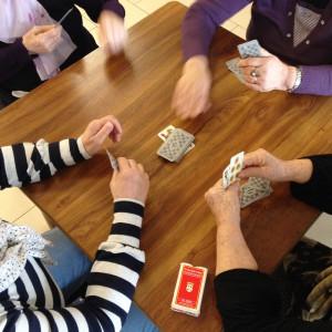 attività per persone con demenza e alzheimer al caffè incontro