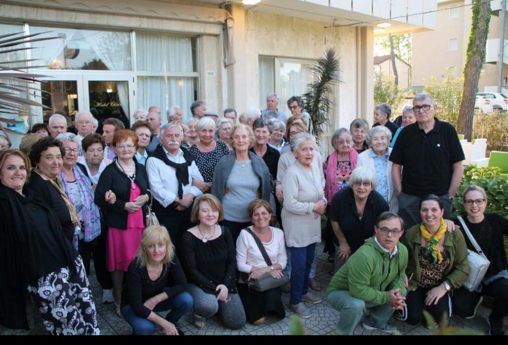 Fotografia di gruppo Settimana al Mare 2019 di AIMA Associazione Alzheimer Reggio Emilia